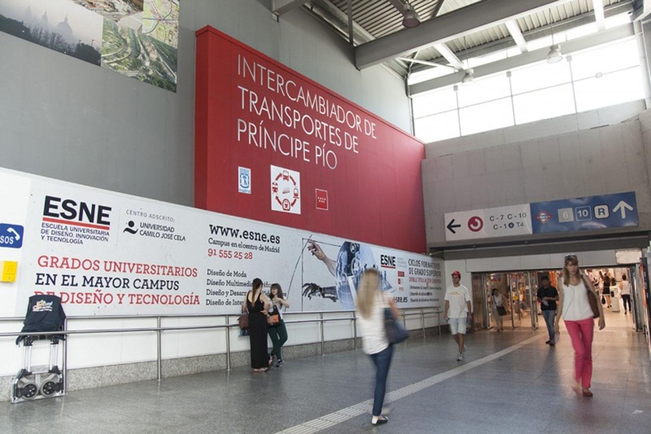 Publicidad ESNE en intercambiadores de transporte