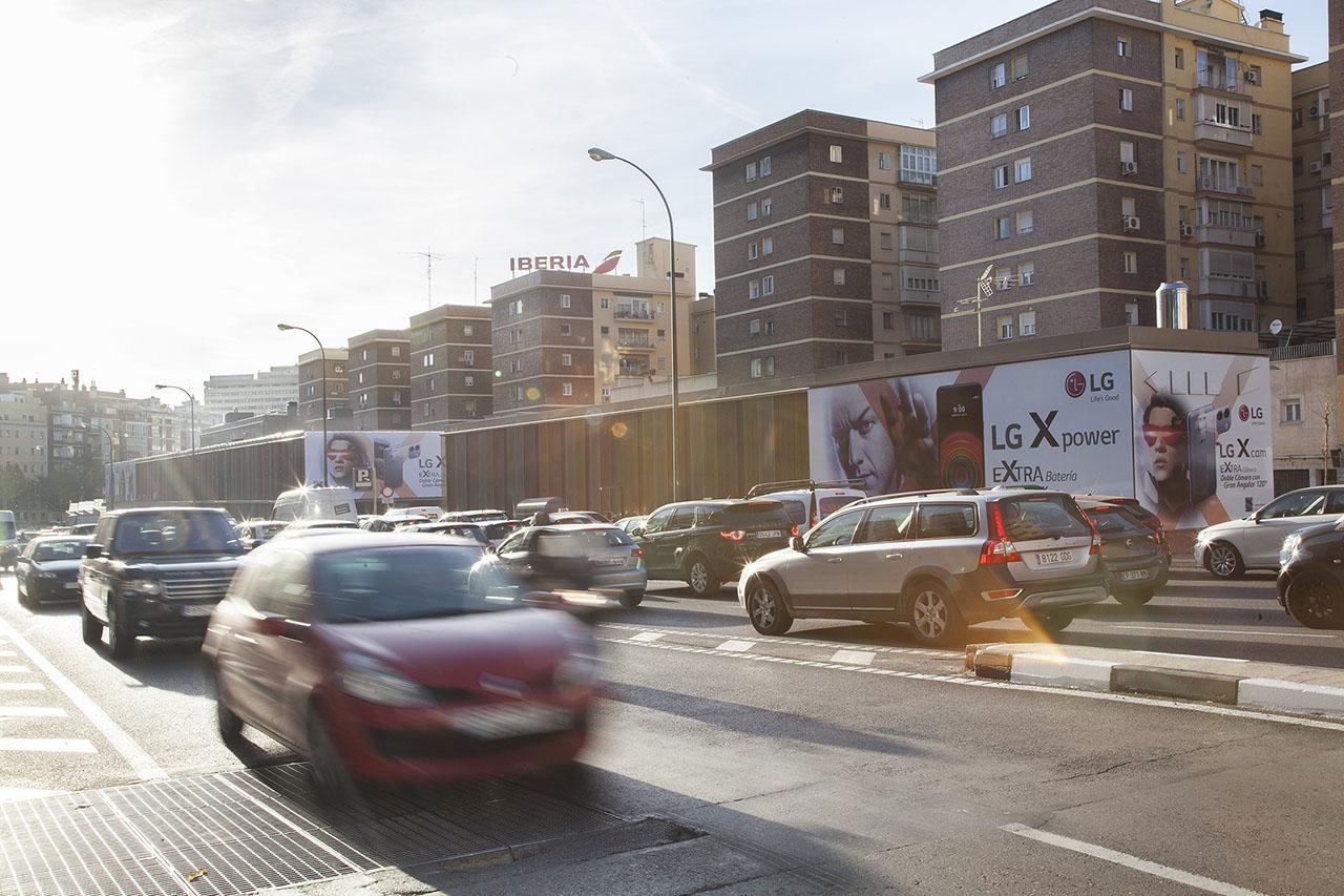 Campaña publicidad exterior gran impacto LG