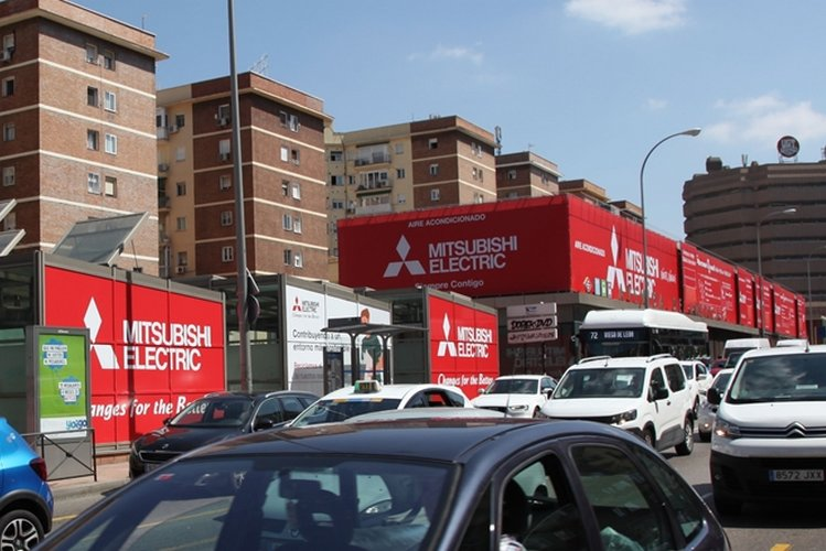 Mitsubishi Electric cubos publicidad exterior Plaza Castilla
